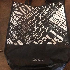 Lululemon reusable shopping tote ❤️